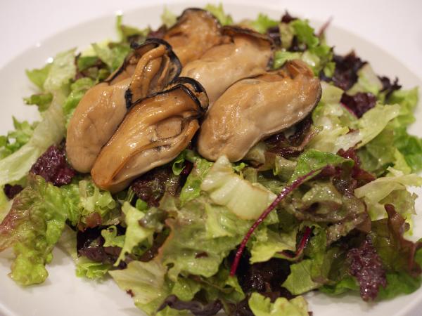 牡蠣のサラダ
