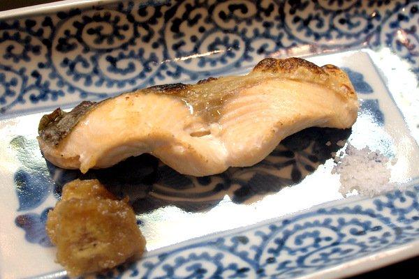 琵琶湖のマスの塩焼き