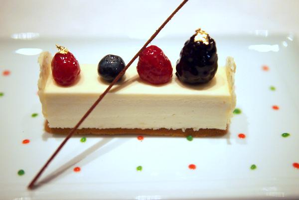 2011聖夜に贈るホワイトチョコレートケーキ