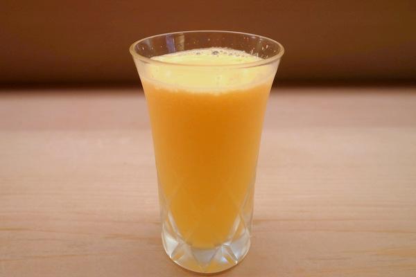 りんごとオレンジと梨のフレッシュジュース