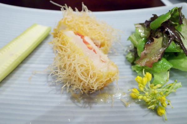 北海道ホタテ貝とフルーツトマト カダイフ包み揚げ<br />