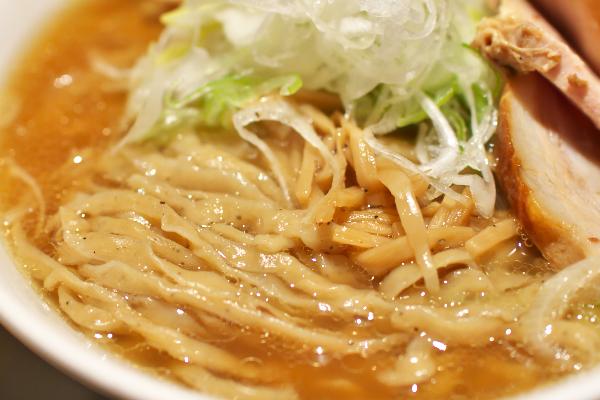 東京駅 麺や七彩