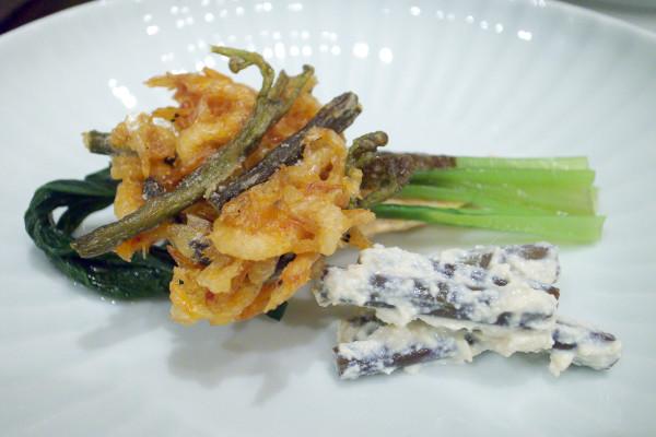 山菜と桜海老のかき揚げ