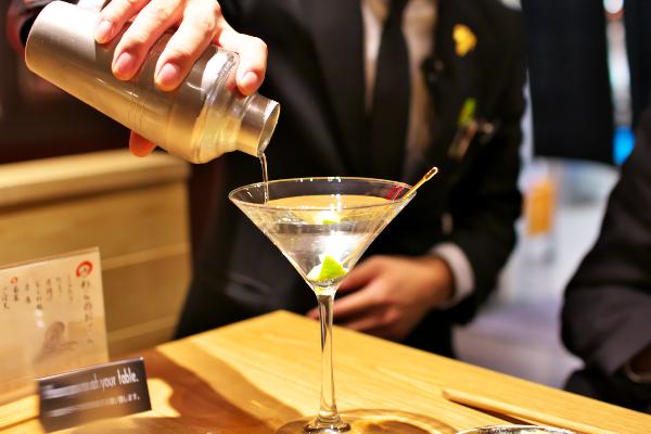 うおまんダイニング 日本酒バル「さわら」 大手町12