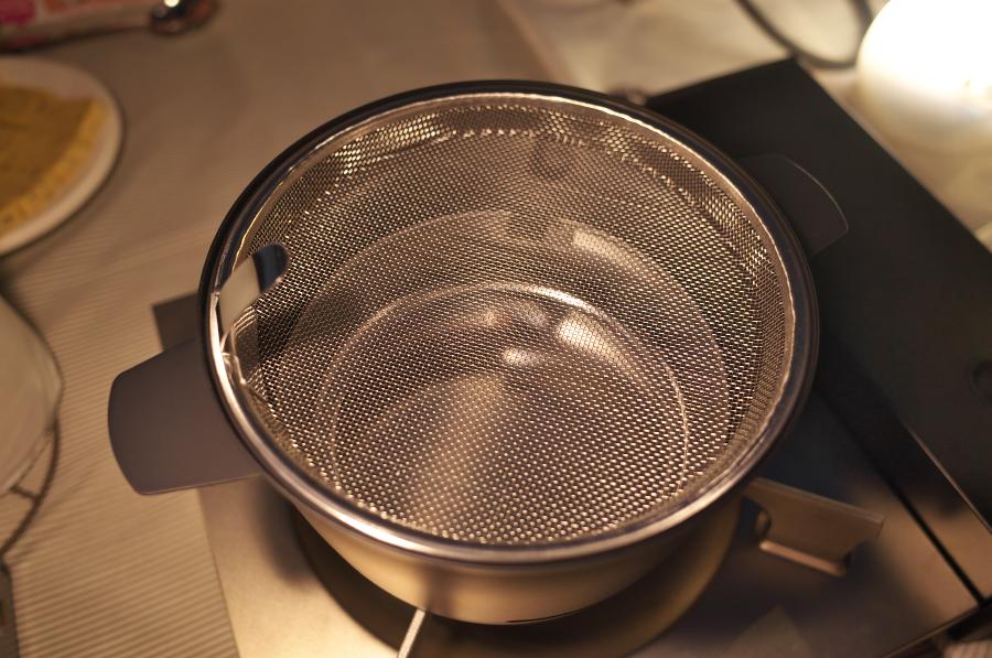 東京湾岸燻製ナイト ~新潟燕三条のメーカーが開発した卓上燻製器を使った日帰り燻製キャンプ~